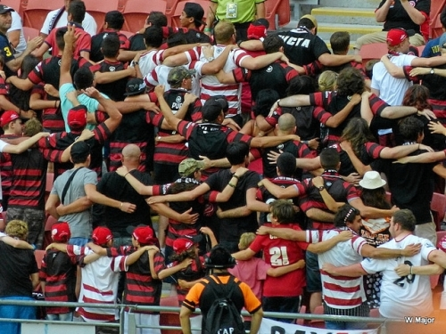 Wanderers fans do The Poznan  - from W. Major (http://www.flickr.com/photos/91701029@N02/)